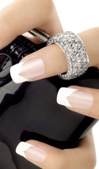 perfect French manicure 3 - Κάνε τέλειο γαλλικό μανικιούρ δες πώς βήμα βήμα