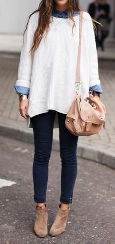 2b22c65d0e6d Οι κομψές γυναίκες γνωρίζουν ότι ένα πουκάμισο κι ένα φαρδύ πουλόβερ  μπορούν να σε  βγάλουν ασπροπρόσωπη  σε κάθε περίσταση.