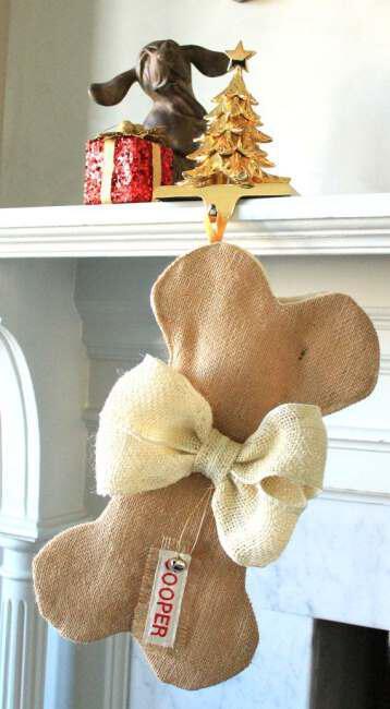 Hang stockings with Christmas gifts (1)