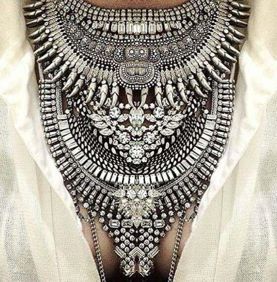 Unforgettable views with large bulky necklace 5 - Αξέχαστες εμφανίσεις με μεγάλα ογκώδη κολιέ