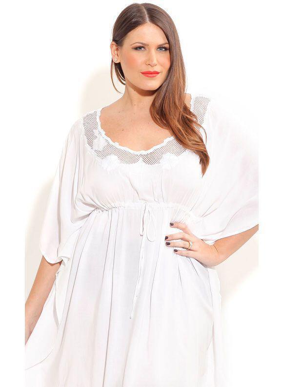 idaniko lefko forema gia ginekes kampiles3 - Το ιδανικό λευκό φόρεμα για γυναίκες με καμπύλες