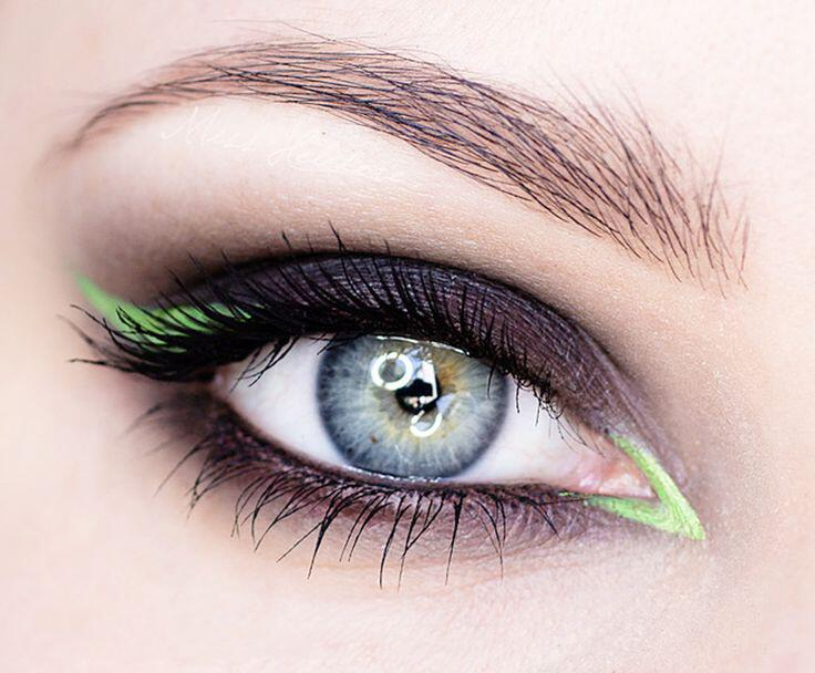 antikatastise-mavro-eyeliner- chroma1