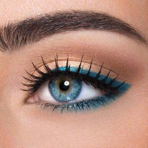 antikatastise-mavro-eyeliner- chroma3