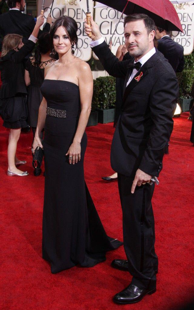 To elegant red carpet style της Courtney Cox