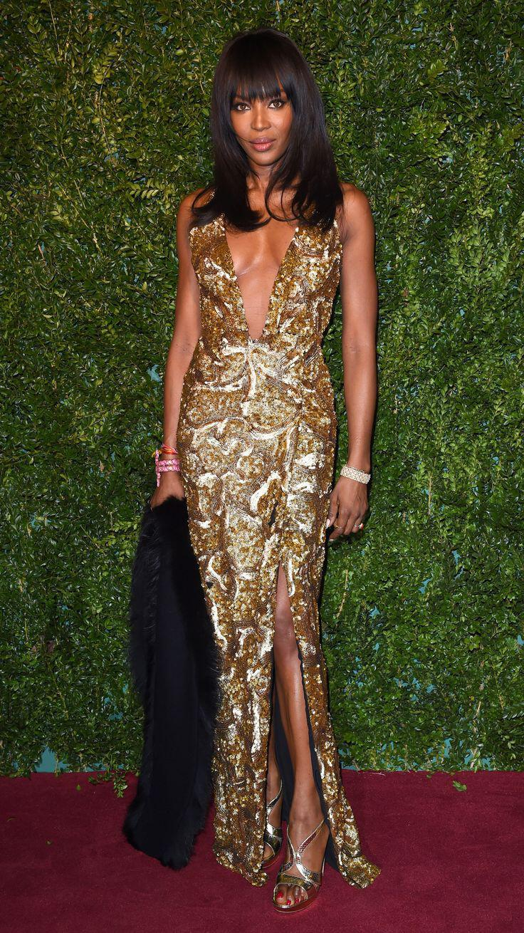 epivlitiko-red-carpet-style-tis-naomi-campbell4