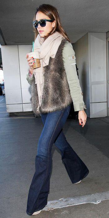 pos evalan celebrities ti faux fur sto airport style How the celebrities wear the faux fur at airport style