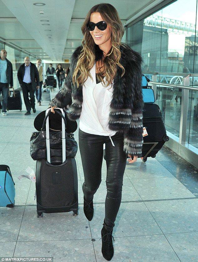 pos evalan celebrities ti faux fur sto airport style4 How the celebrities wear the faux fur at airport style
