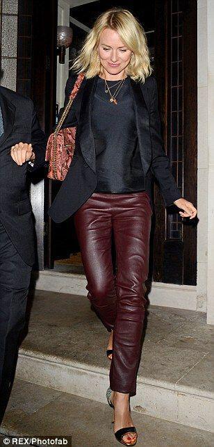 super chic street style tis naomi watts super chic street style of Naomi Watts