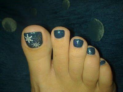 ta chimerina chromata ke schedia sto pentikiour sou Winter colors and designs to your pedicure