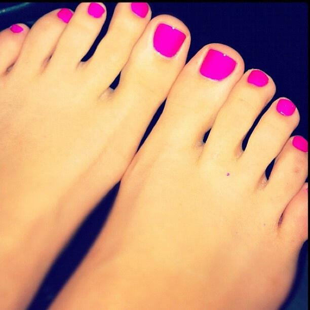 ta chimerina chromata ke schedia sto pentikiour sou2 Winter colors and designs to your pedicure