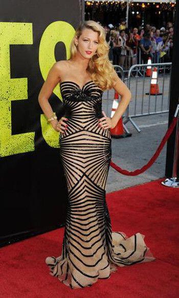 ta retro foremata ton celebrities1 The retro dresses of celebrities