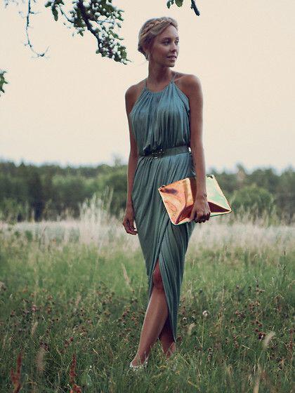 iperocha foremata gia anixiatiko gamo3 - Υπέροχα φορέματα για ανοιξιάτικο γάμο