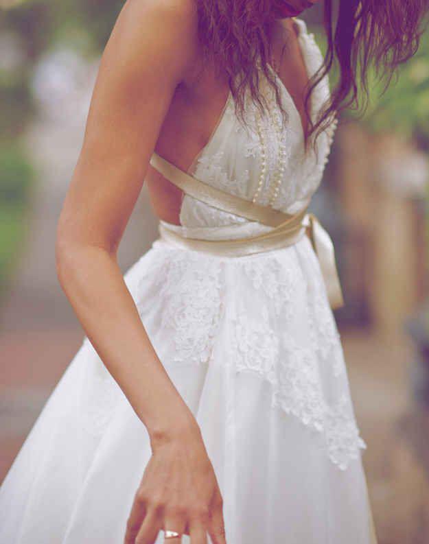 1cb566792489 Υπέροχα ρομαντικά νυφικά για το καλοκαίρι - dona.gr