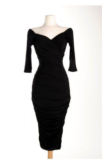 Στενά φορέματα για γυναίκες με παραπάνω κιλά - Page 2 of 5 - dona.gr 2eb7e7af57f