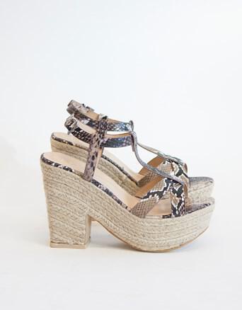 idietera papoutsia apo lynne4 - Ιδιαίτερα παπούτσια από το Lynne