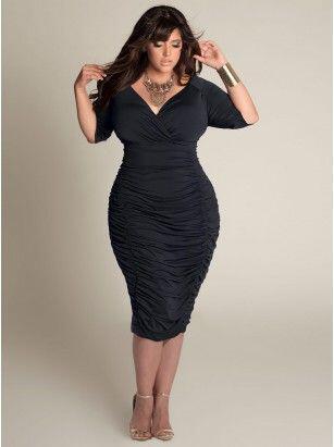 ta mavra foremata gia plus size koritsia 4 - Τα μαύρα φορέματα για plus size κορίτσια