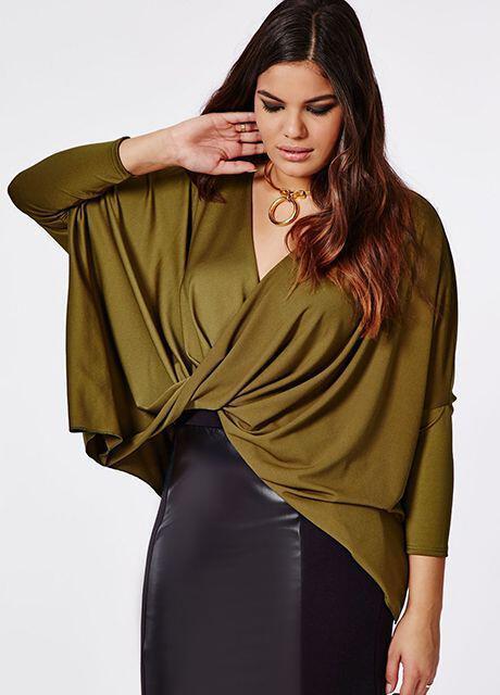 Trends για κορίτσια με καμπύλες · Οι τζιν ολόσωμες φόρμες για γυναίκες ... 8f7edda6e52