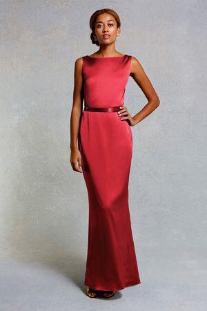 b1c69827def Πώς να βάλεις μοδάτα σατέν maxi φόρεμα - dona.gr
