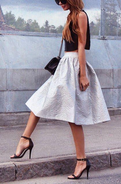 Πώς θα βάλεις ασημί φούστα με στιλ - Page 2 of 5 - dona.gr 0e6e7aeb26c
