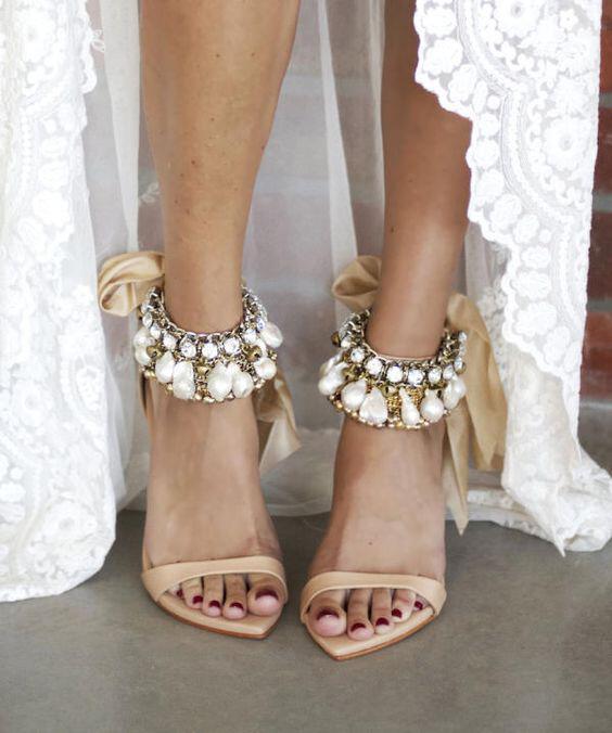 5 nifika papoutsia gia boho nifes 2 - 5 νυφικά παπούτσια για boho νύφες